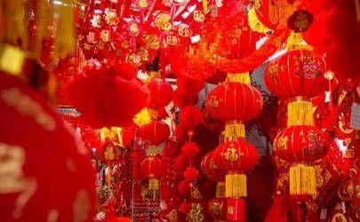 关于春节挂灯笼的诗句大全